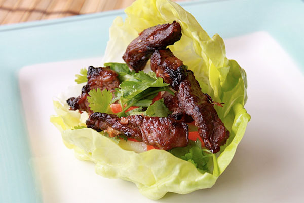 GRILLED STEAK LETTUCE TACOS