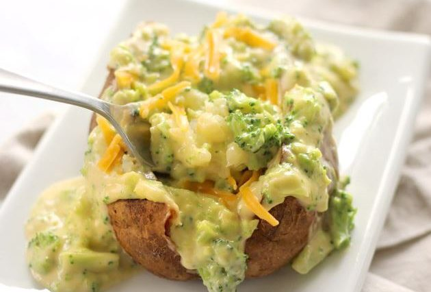 SLOW COOKER BROCCOLI CHEDDAR BAKED POTATOES