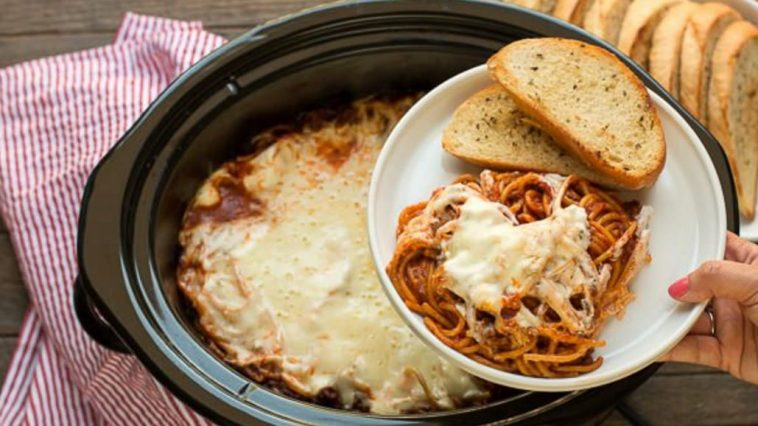 This Slow Cooker Baked Spaghetti Recipe Will Change Pasta Night Forever !