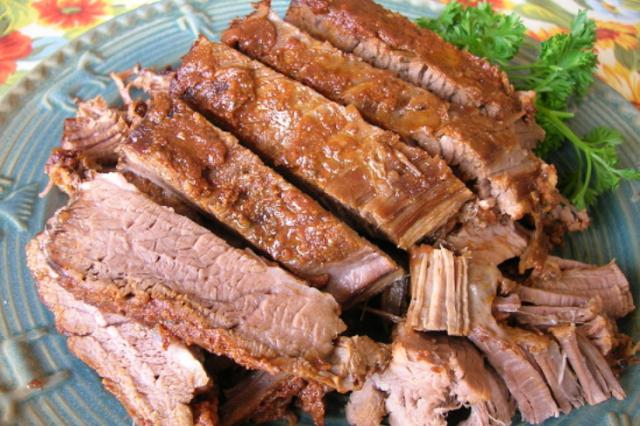 SMOKY BARBECUE BEEF BRISKET (CROCK POT)