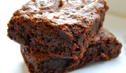 37 CALORIE BROWNIES… AND NO, I'M NOT KIDDING.