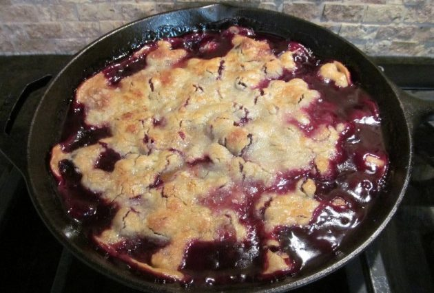 BLACKBERRY COBBLER (CROCK-POT)