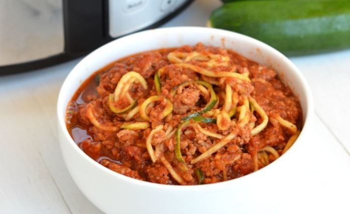 SLOW COOKER TURKEY BOLOGNESE & ZUCCHINI NOODLES