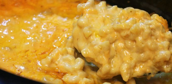 The ABSOLUTE BEST Slower Cooker Macaroni And Cheese, It's Easy & Delicious!