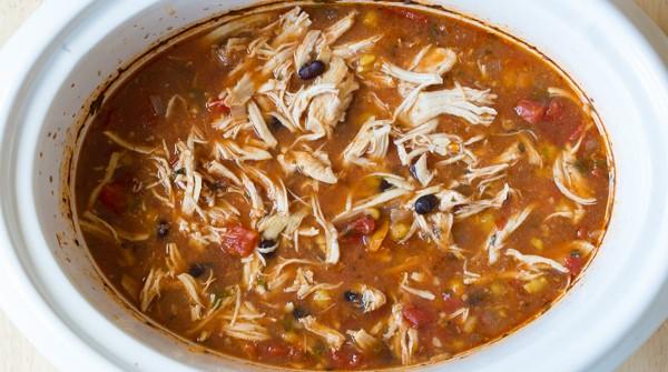 Slow Cooker Skinny Chicken Enchilada Soup