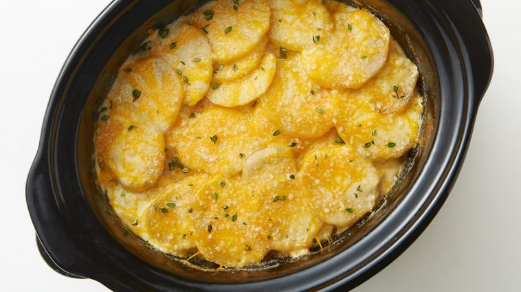 SLOW COOKER CHEESY SCALLOPED POTATOES