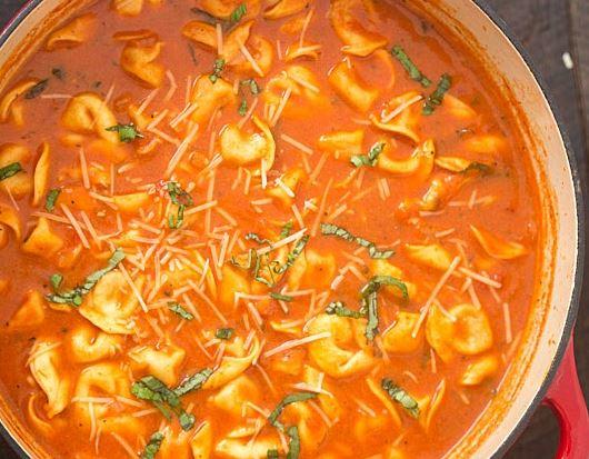 SLOW COOKER TOMATO BASIL PARMESAN TORTELLINI SOUP