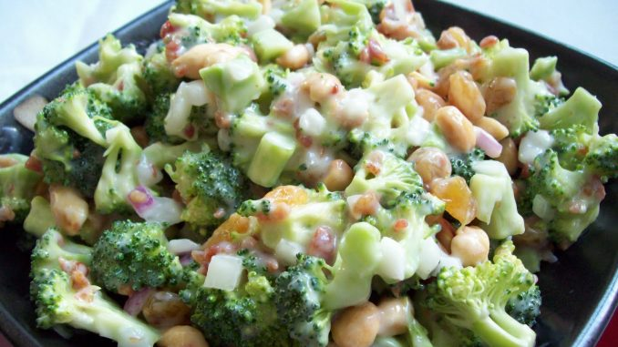 Best Amish Broccoli Salad