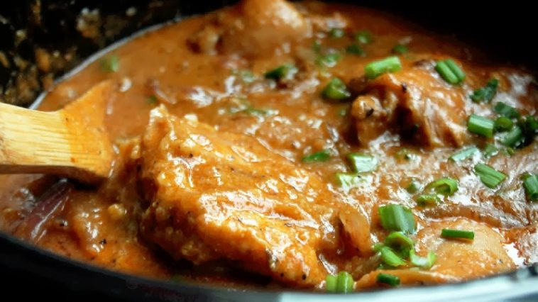 CROCKPOT CHICKEN WITH MUSHROOM GRAVY RECIPE