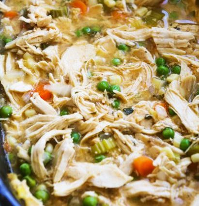 THE BEST SLOW COOKER CHICKEN POT PIE